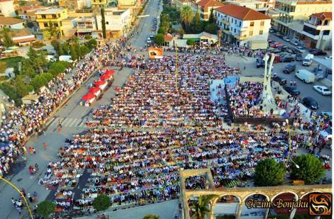Morning prayer in the center of Kavaje on Big Bajram